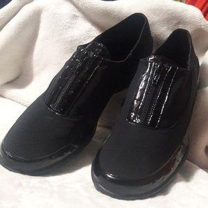 Black comfort shoes 9M